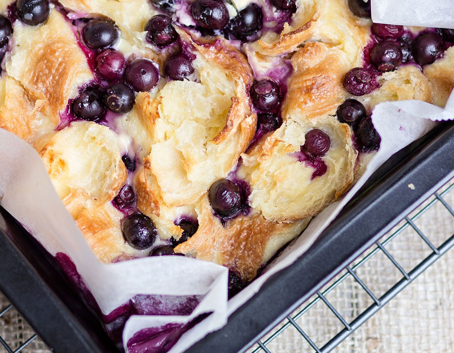 Blueberry cream cheese pudding