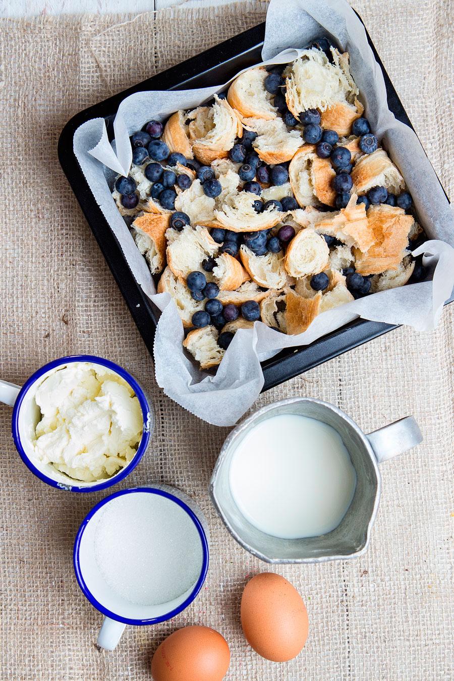 Blueberry cream cheese pudding