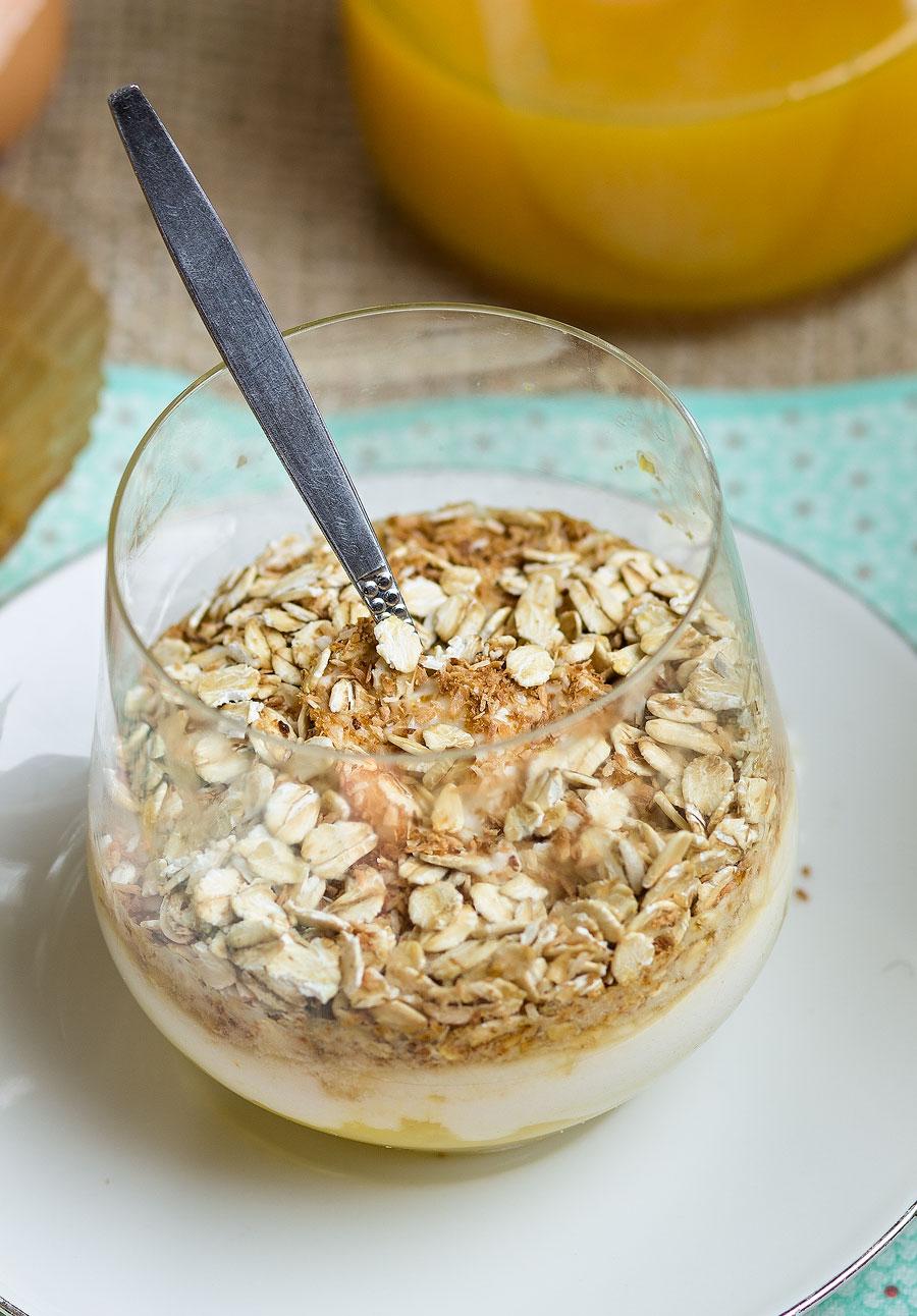 yoghurt met mango en kokos crunch